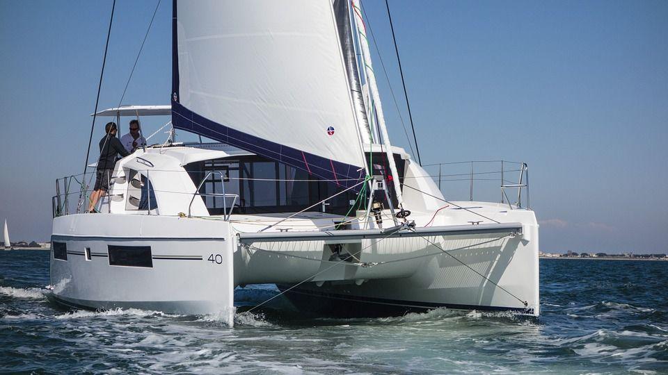 Luxus segel katamaran  Pin von adriane Gaertner auf Barcos | Pinterest