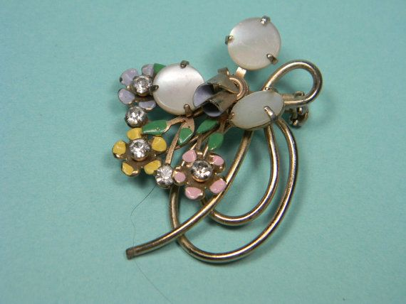Rio Bravo Collection Vintage style celluloid horseshoe brooch