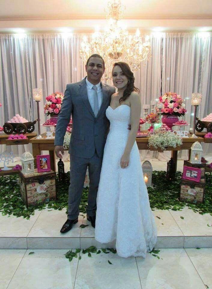 Parabéns Jéssica Tayane Martins como sempre linda e não poderia ser diferente no seu grande dia. O seu vestido de noiva Justin Alexander ficou deslumbrante e elegante. Parabéns aos noivos! #maisumanoivafeliz #casamentodossonhos #ajustandovestidodenoivaimportado