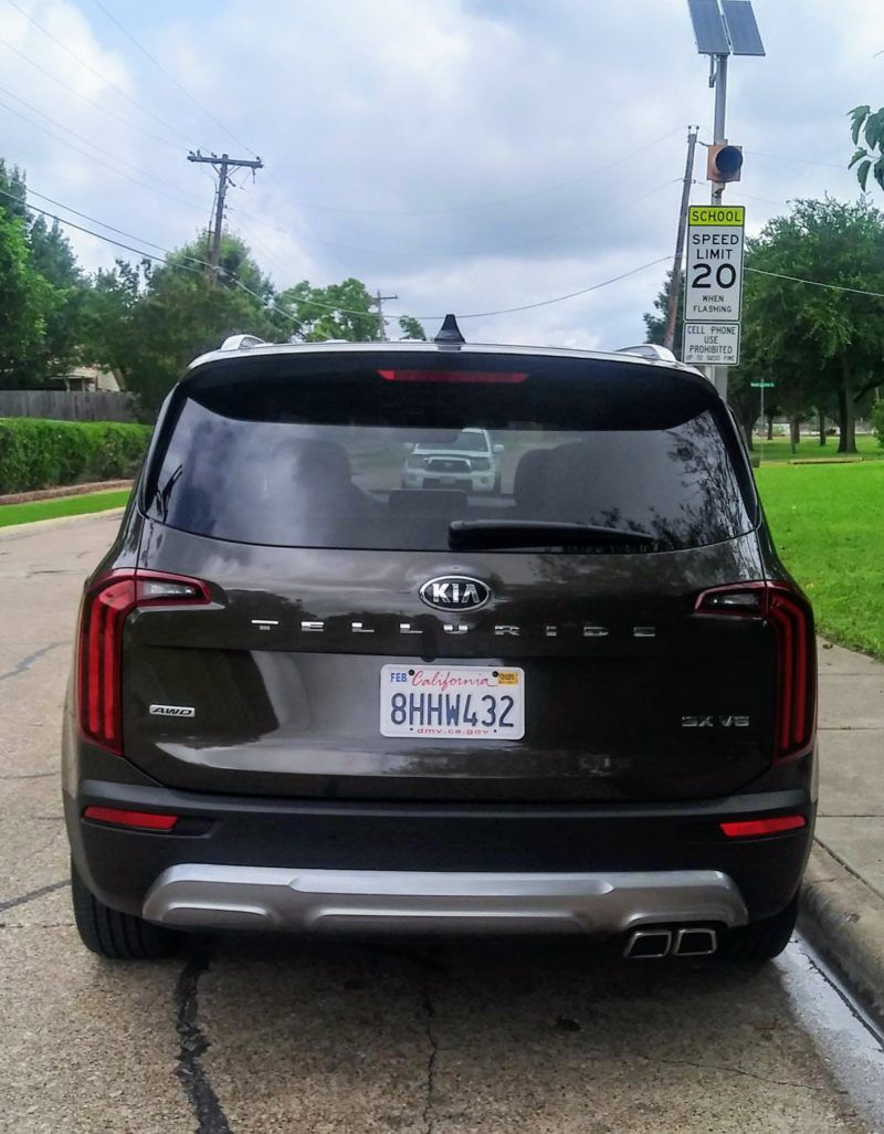 2020 Kia Telluride Bespoke Details At An Off The Rack Price In 2020 Kia 3rd Row Suv Girl Guides