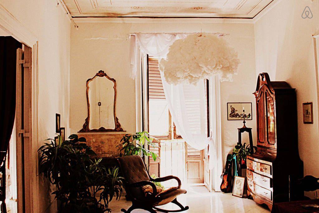 Centro Storico Suite Spazio Alloro a Palermo | Airbnb ...