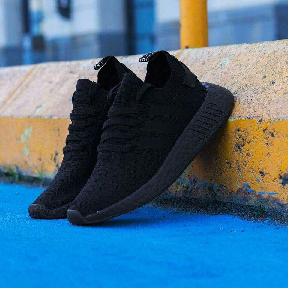 Pin da shirret skinner sulle scarpe, scarpe da ginnastica adidas pinterest teste,