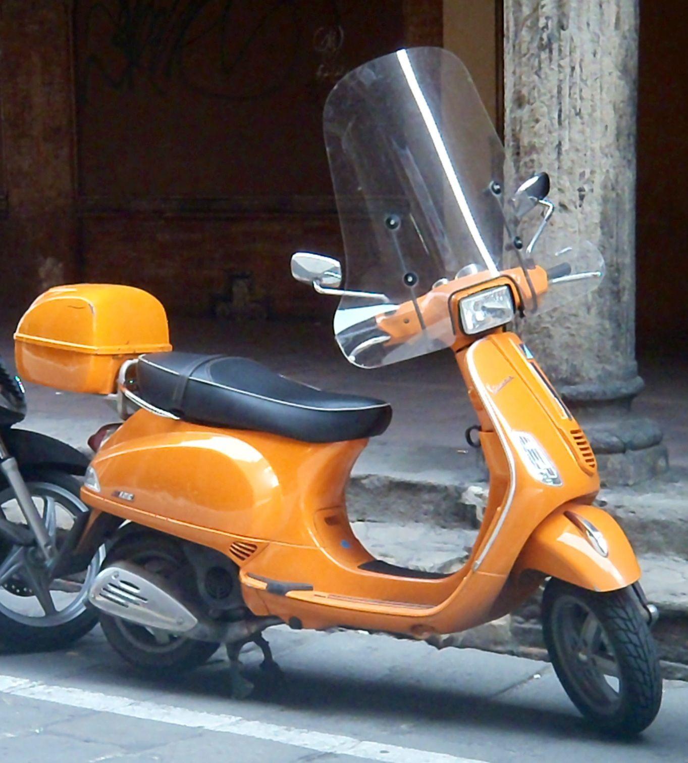 Orange motorcycle (Bologna, Italy)