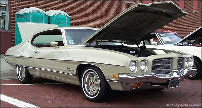 72 Pontiac Lemans My First Car This Was The Color Exactly With A Little Less Detailing It Had A Cream Colored Vinyl Ro Pontiac Lemans Le Mans Dream Cars