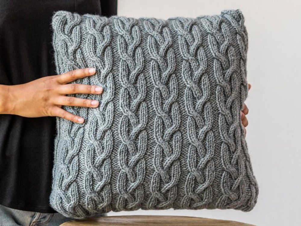 Highland Cable Cushion Knitting Pattern Uk Usa Terms 406 In 2018
