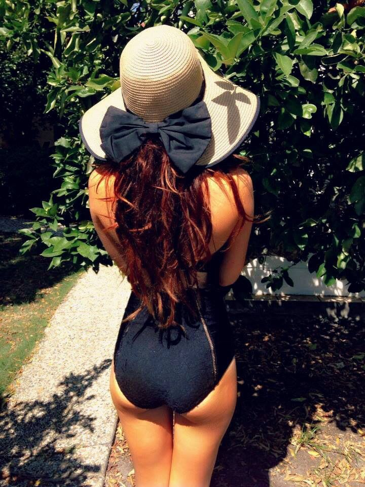 totally getting this hat if we ever go on a vacation to FL or somewhere tropical!