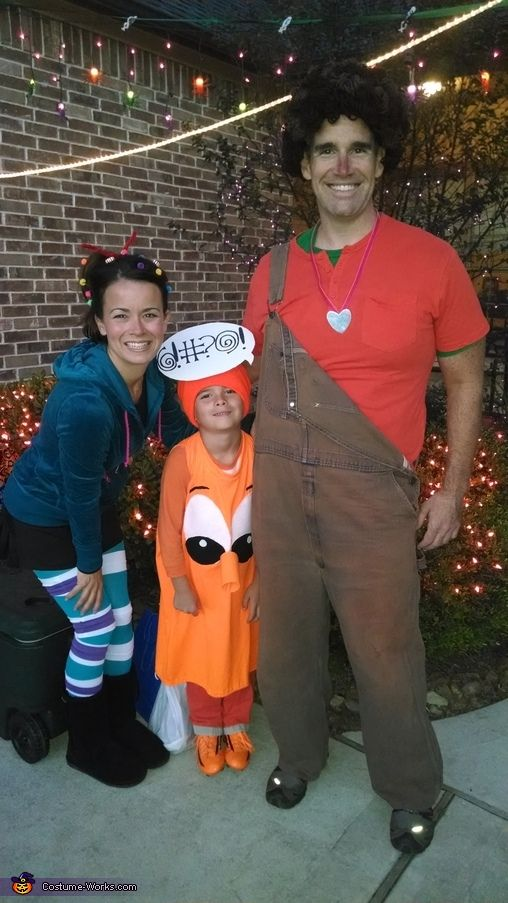 wreck it ralph halloween costume contest at
