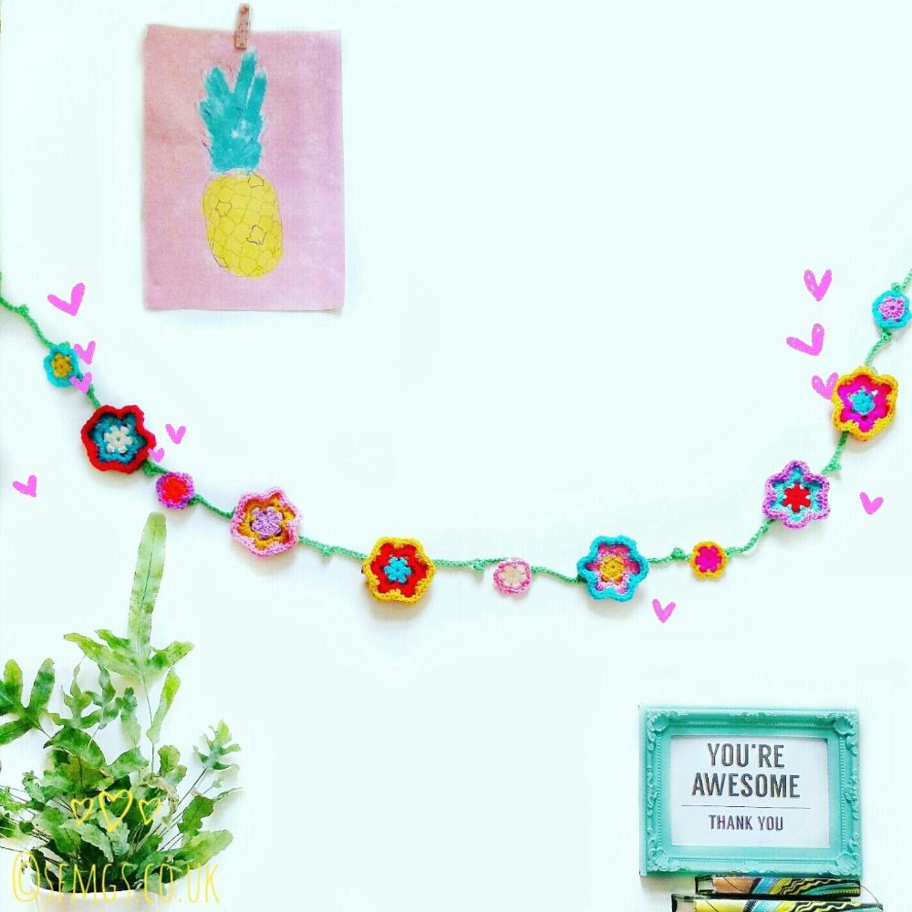 Set Free My Gypsy Soul | a Crochet Craft blog : Spring Flower Garland | Free Crochet Pattern #garlandofflowers