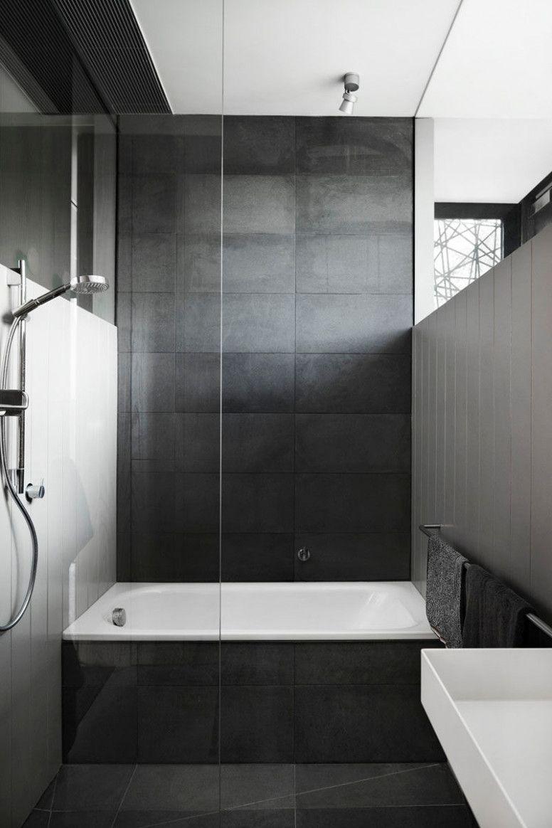 Diese Geschichte Hinter Badezimmer Fliesen Dunkel Wird Sie In 2020 Mit Bildern Graue Badfliesen Dunkelgraue Badezimmer Badezimmer Schwarz
