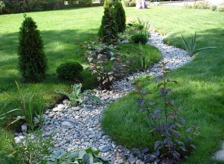 Jardin De Rocaille Et Deco En Pierre Naturelle En 40 Idees D