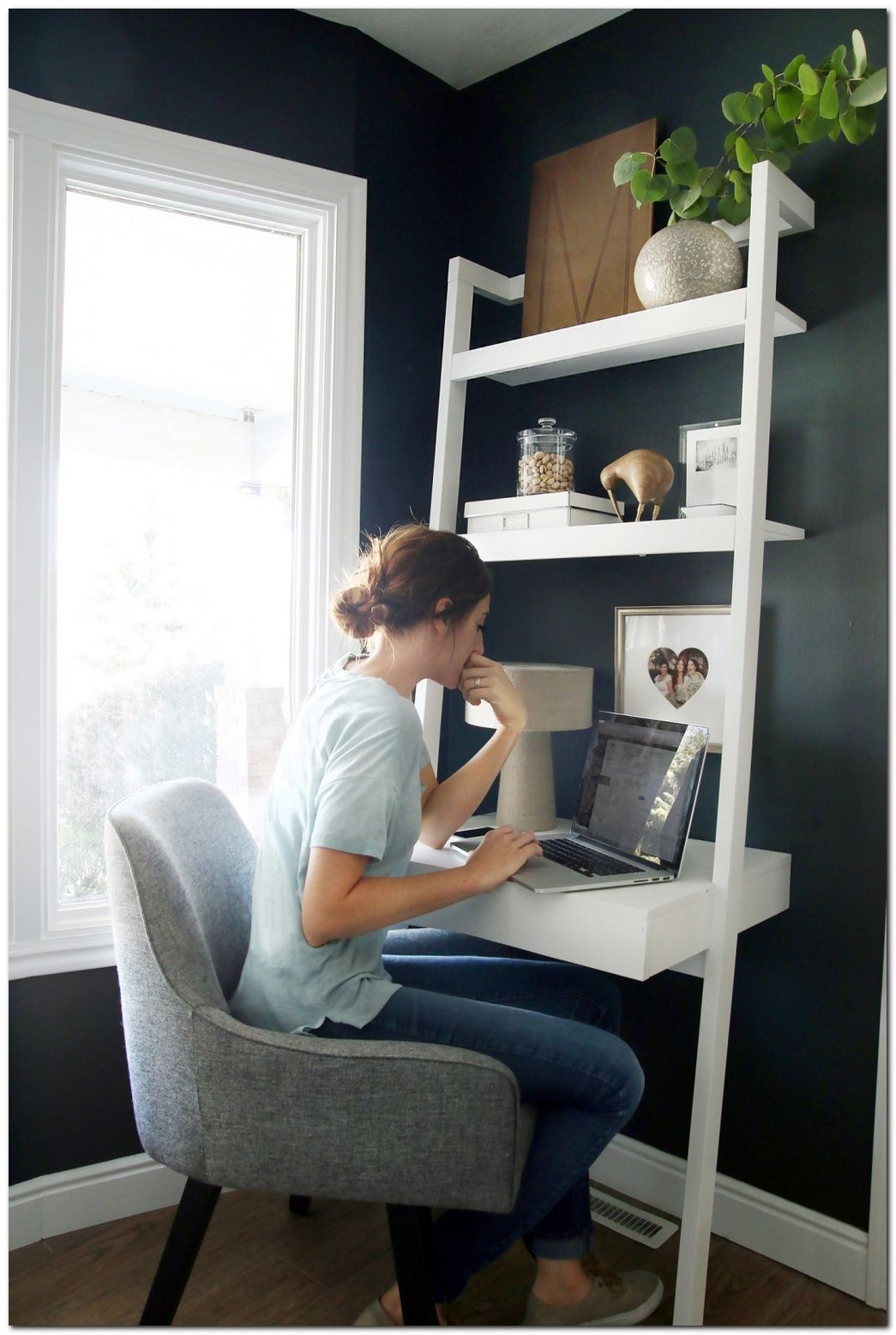 51 Smart Ideas For Small Apartment The Urban Interior Small Home Offices Small Room Design Home Office Design