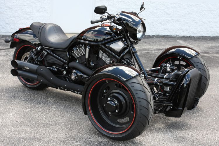 Harley Trike'd out... Honestly, I don't really get the whole trike