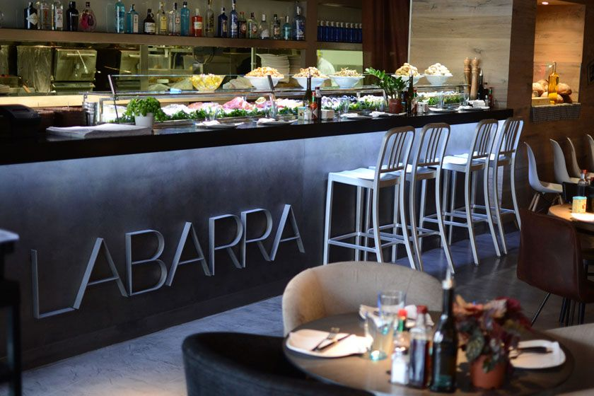Barras restaurantes modernos google search barra for Decoracion para hosteleria