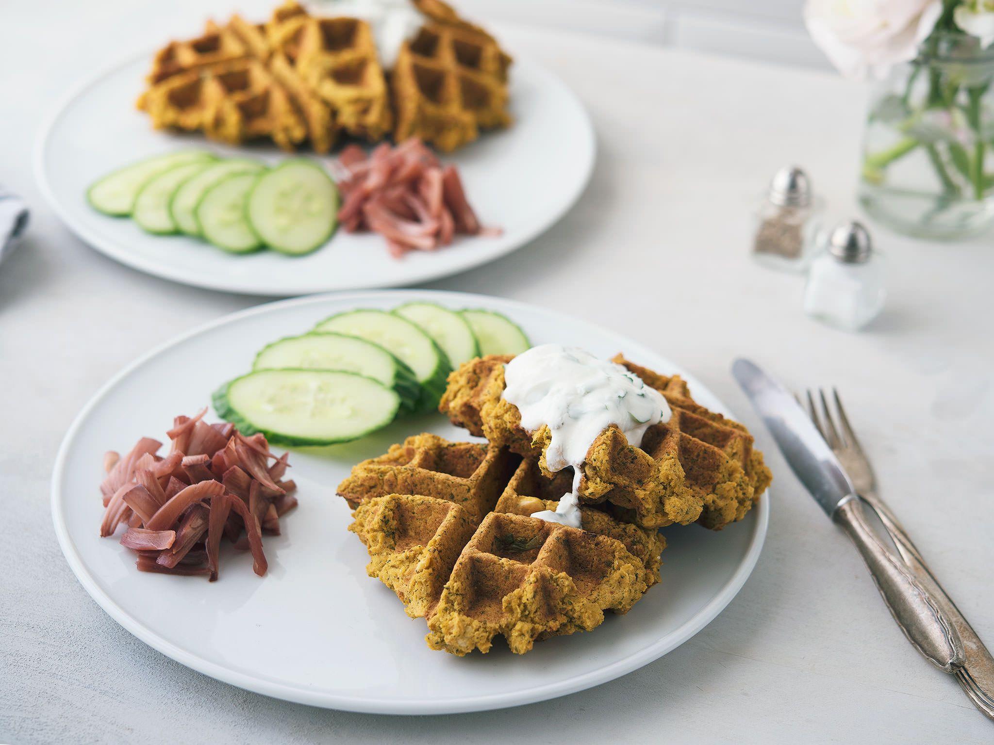 Falafel Waffeln Rezept Mit Video Kitchen Stories Rezept Lebensmittel Essen Falafel Waffeln