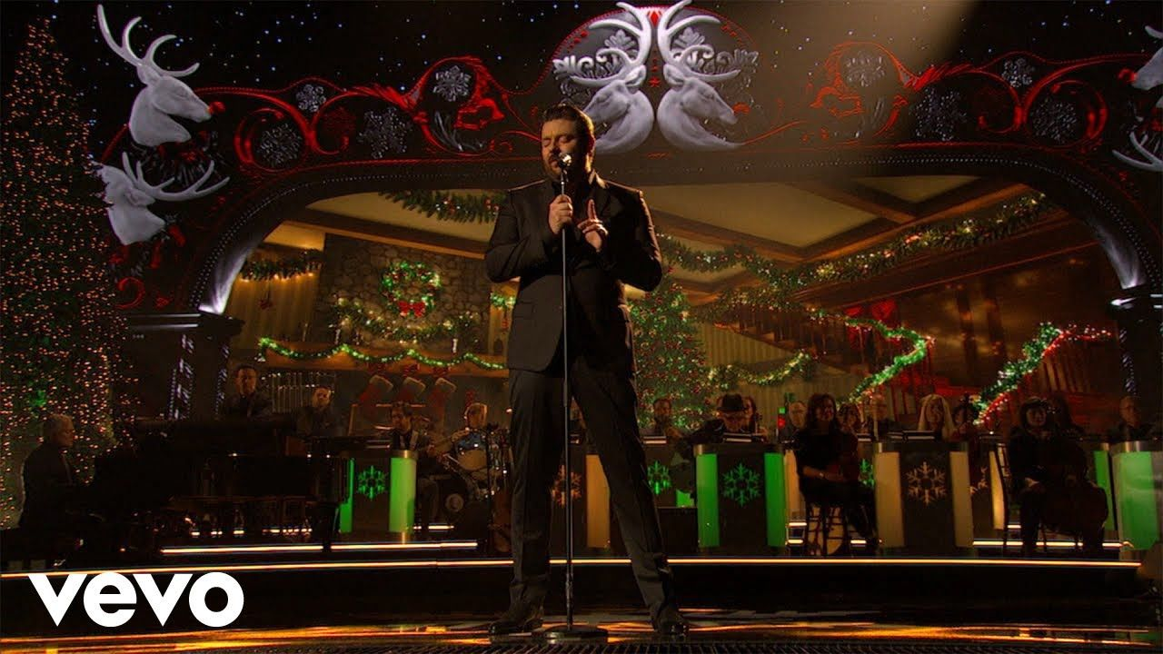 Chris young the christmas song live from cma country