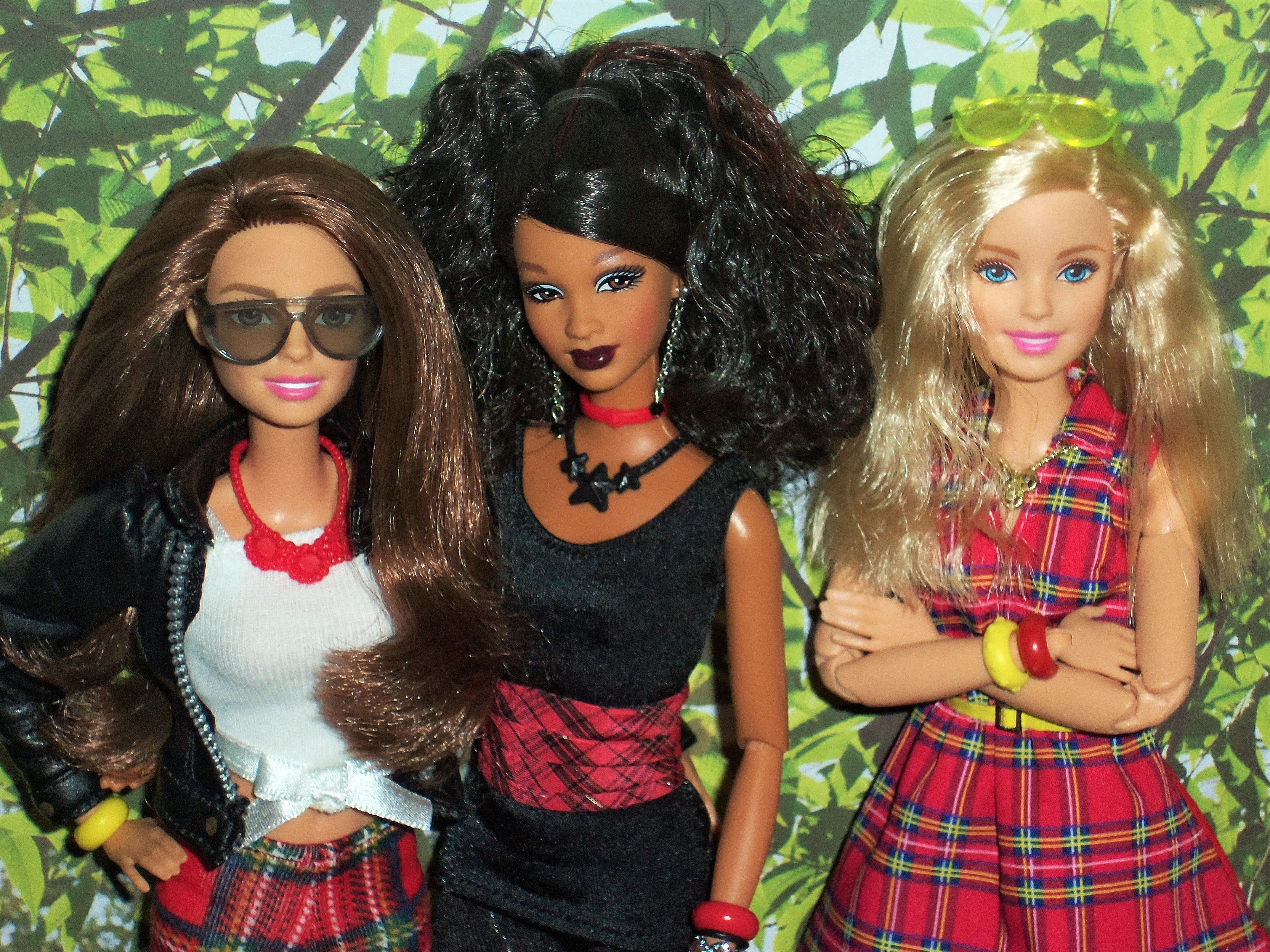 barbie friends made to move barbies and so in style trichelle