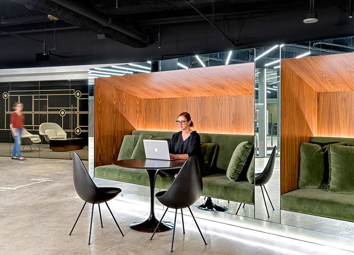 Modern office design concept by studio o a modern office for Modern office interior design concepts