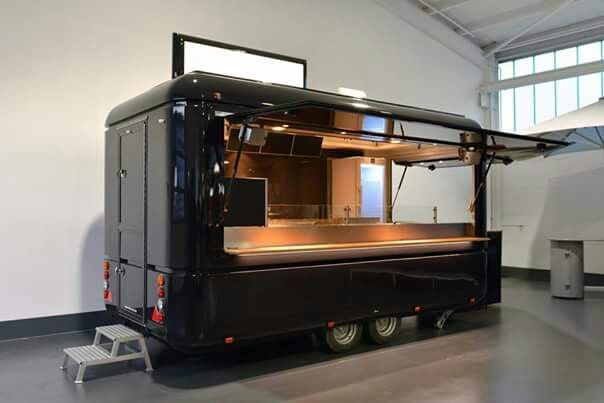 Pingl par najib rayes sur mobile catering food truck for Remorque cuisine mobile