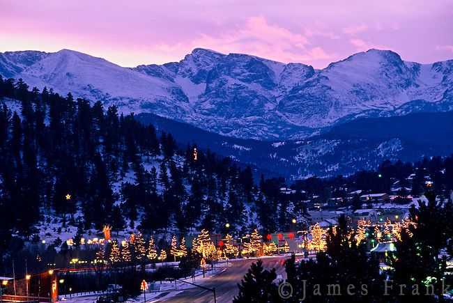 Christmas In Colorado Mountains.Christmas Lights Brighten Downtown Estes Park With Rocky