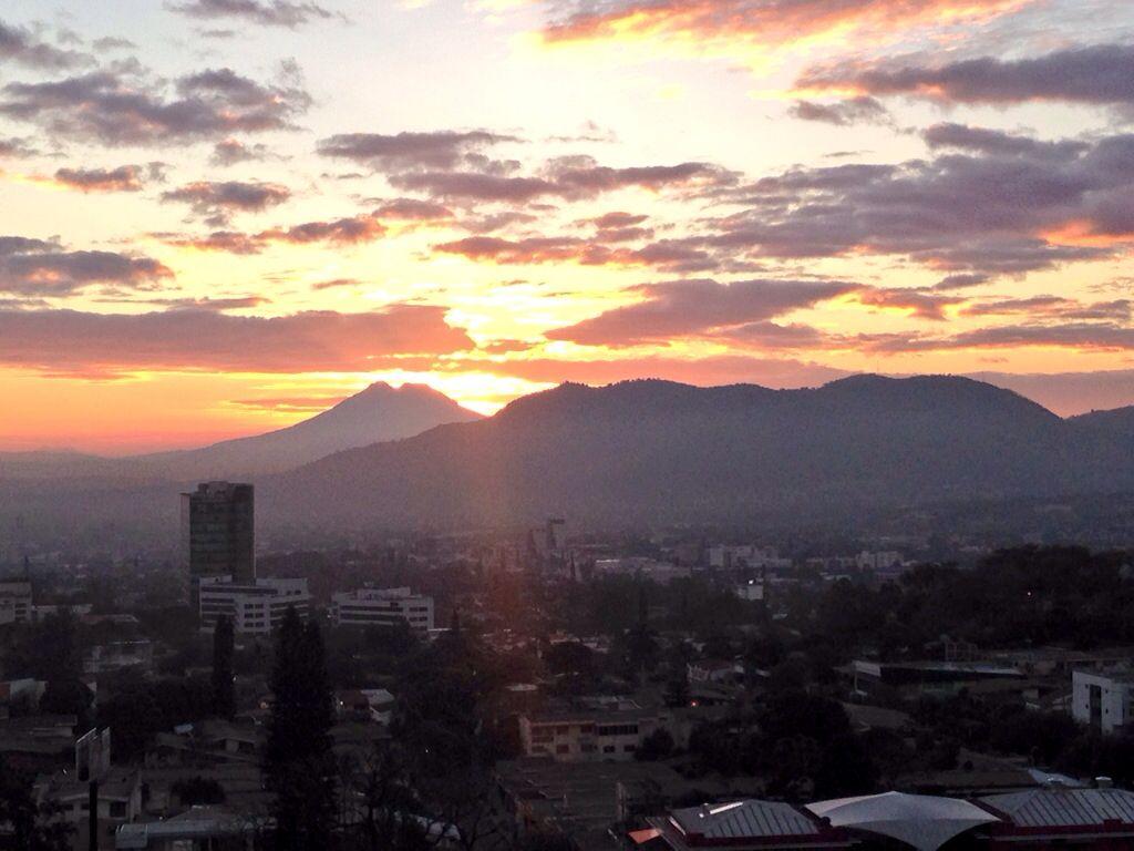 San Salvador Al Amanecer Volcan De San Vicente Y Cerro San Jacinto El Salvador Suchitoto Tours Gmail Com San Salvador San Jacinto El Salvador
