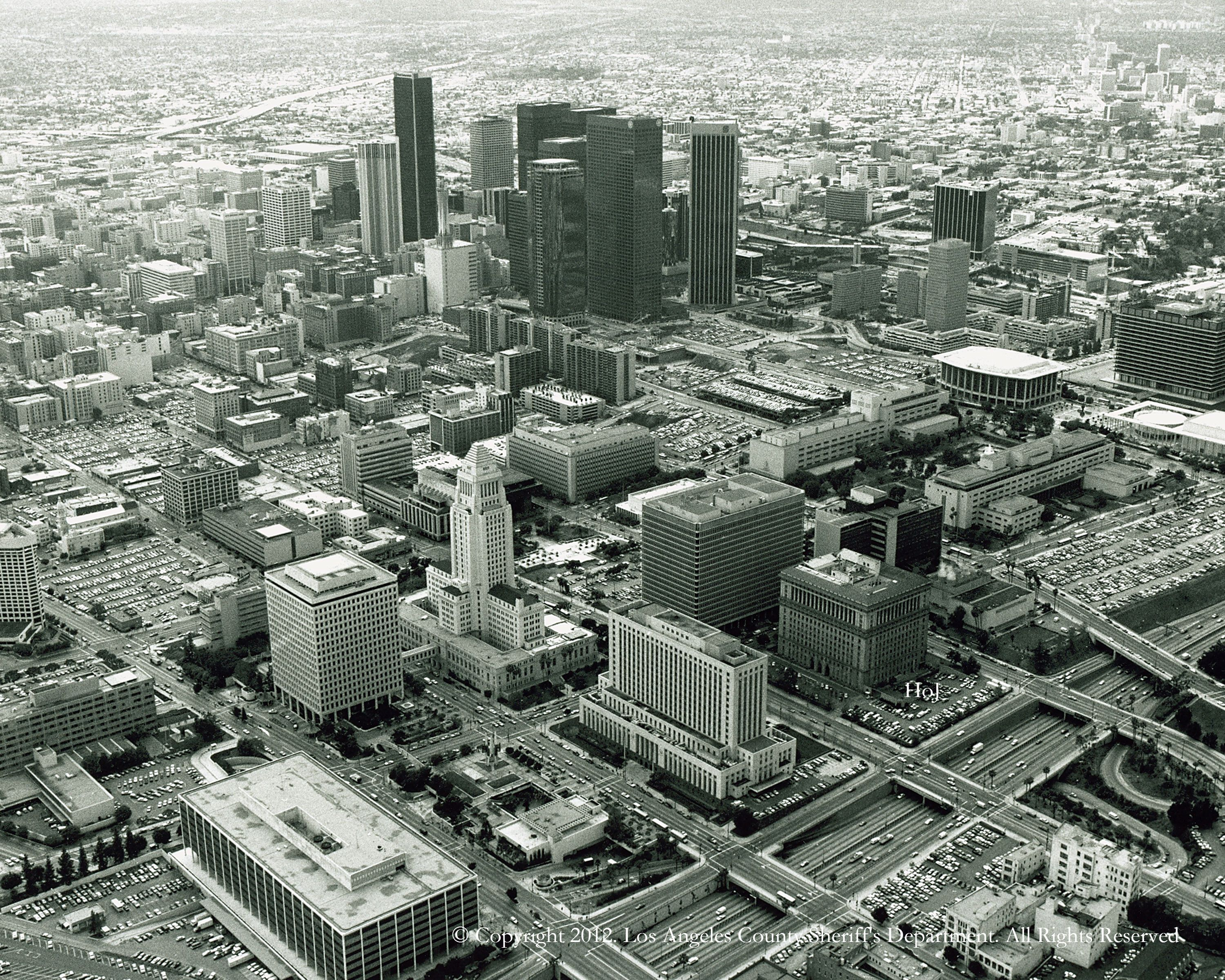 Downtown Los Angeles Unknown Year The Hall Of Justice Is Labeled Los Angeles Area Downtown Los Angeles Vintage Los Angeles