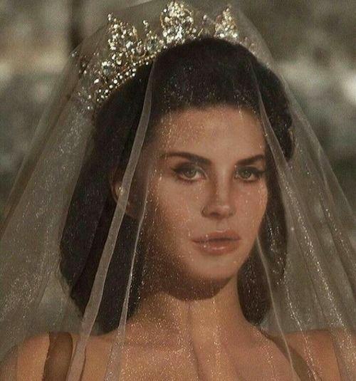 """lizaattwood: """"Lana Del Rey 🍒 """""""