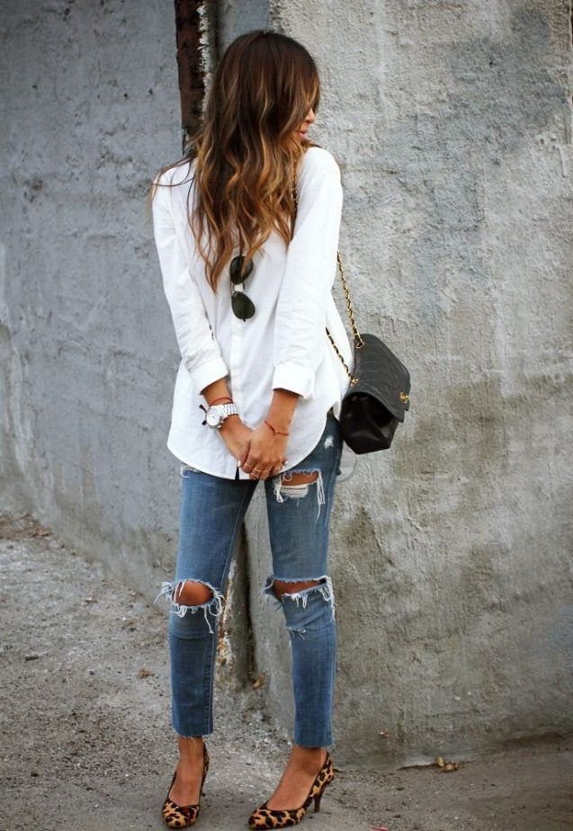 White Top And Ripped Jeans 2017 Street Style