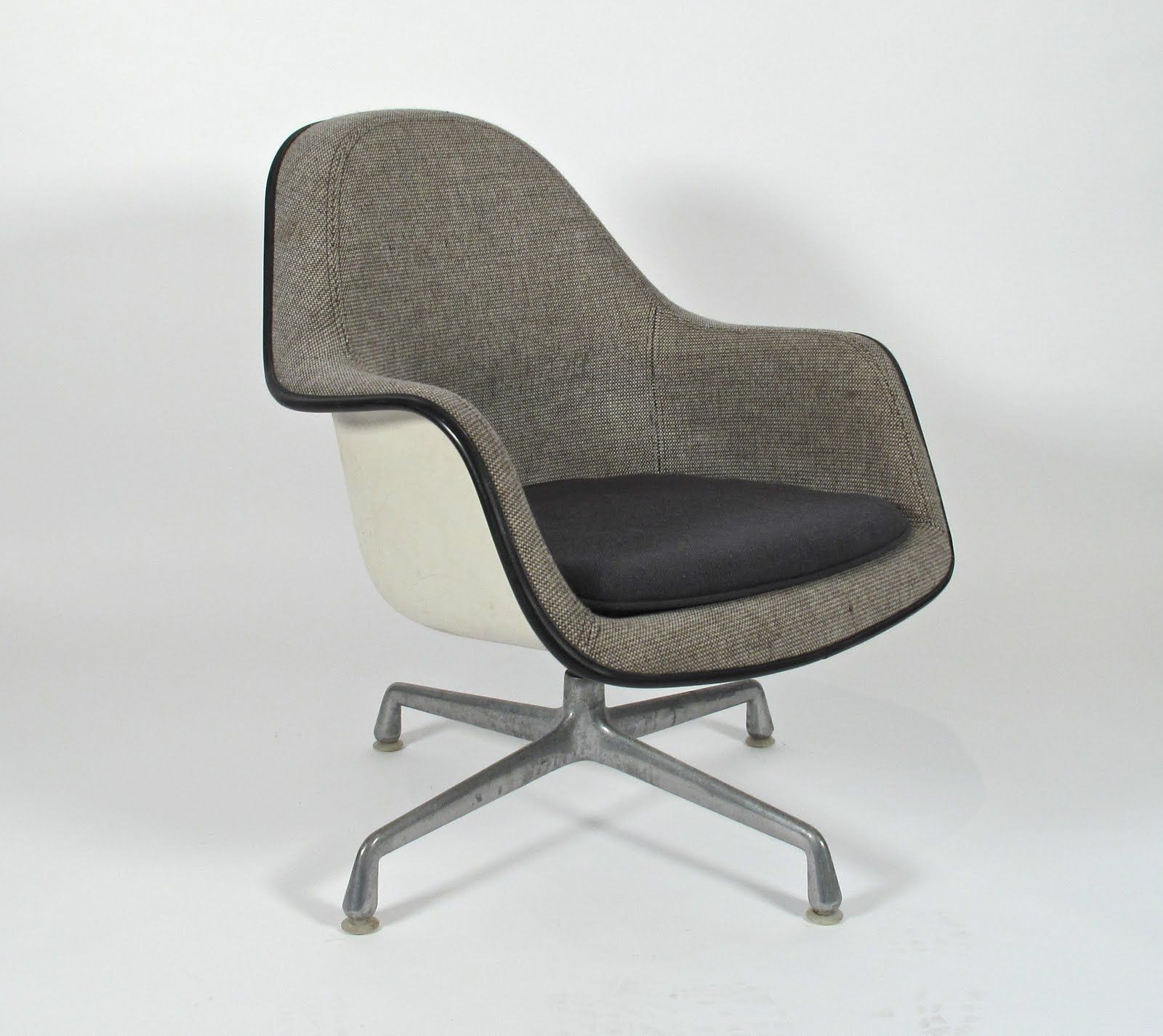 Charles Eames Loose Cushion Armchair 1971 Chair design
