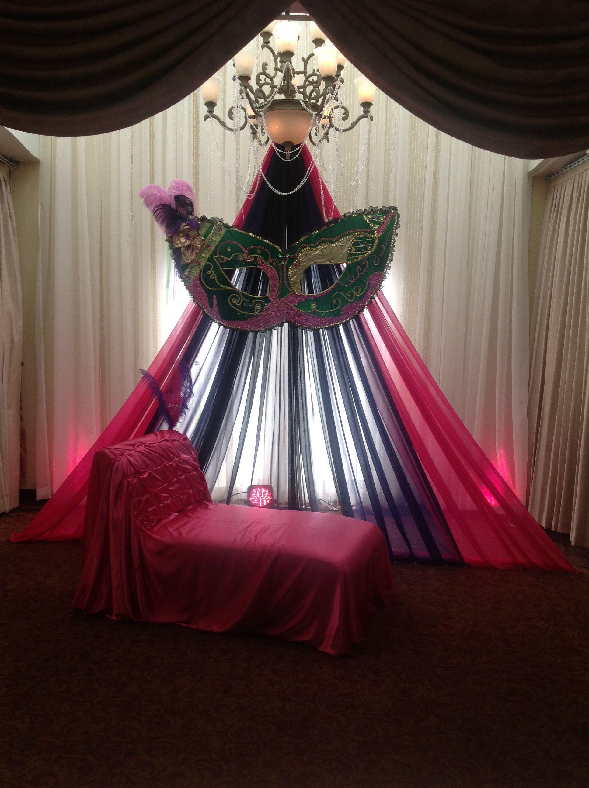 Stage Masquerade Decor @Jennie Elizabeth | valentines dance