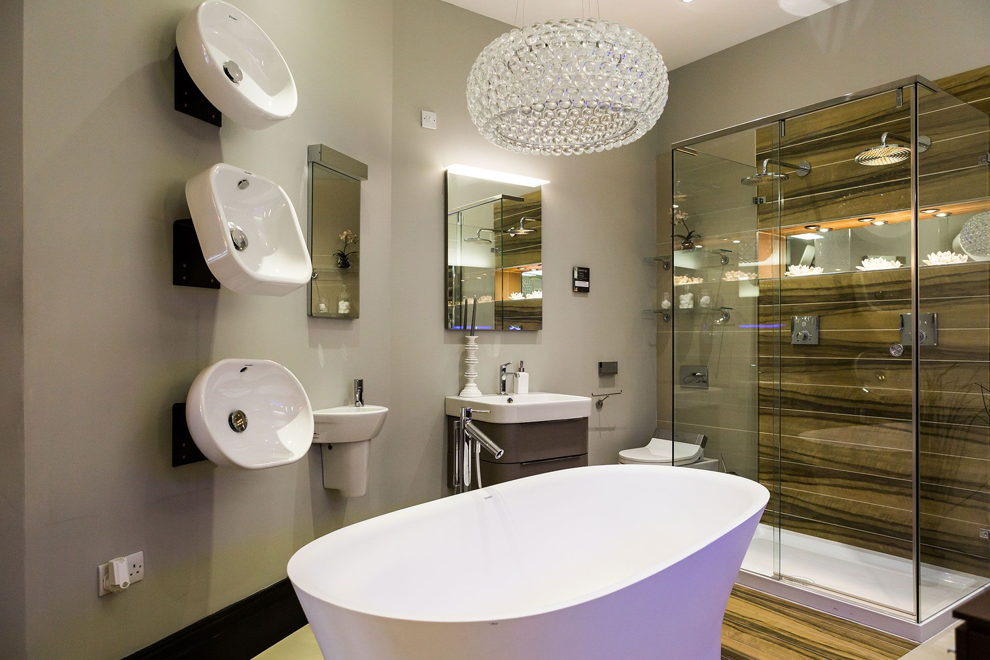 A Contemporary Room Set In Our Newly Developed Fulham Showroom Bathrooms Luxurybathrooms Contemporarybathrooms Contemporary Bathrooms Bathroom Showrooms Showroom