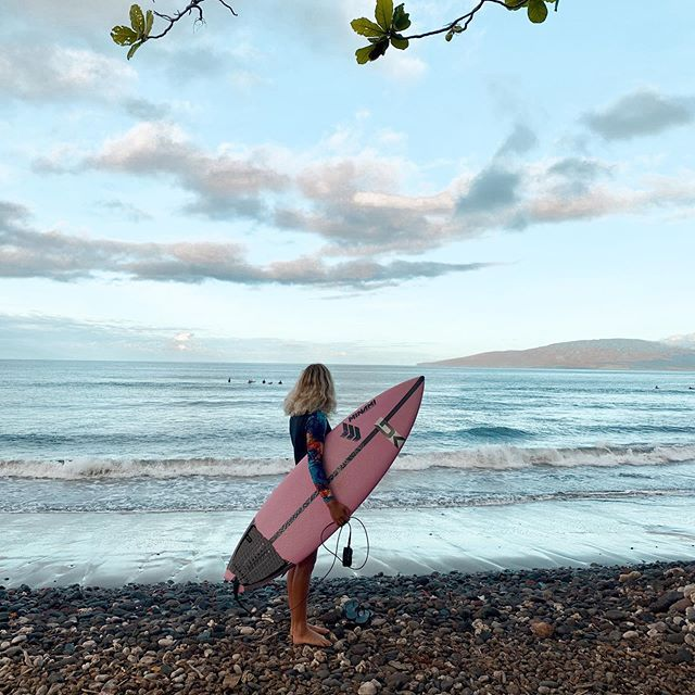 🔥🔥🔥Hawaii Luau Company- Hawaii's Premiere Corporate Event, Luau, Wedding and Entertainment Company.  www.hawaiiluaucompany.com  Surfer in Maui :@noraliotta_ 🤙🏼🌺🌴 Early morning west side missions with the fam 🤪✨✨✨ #hawaiiluaucompany#mauievents #mauibuilt #mauielopment #mauivibes #mauiluau #luauinmaui #kaanapaliluau #luau #maui🌴 #visitmaui #mauistyle #mauieats #exploremaui #huakailuau #huakai #hawaiianluau #lahainaluau