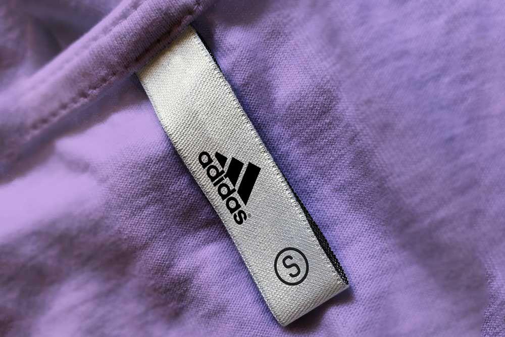 Download Free Download T Shirt Label Mockup Tshirt Label Mockup T Shirt Label Shirt Label Clothing Labels Design