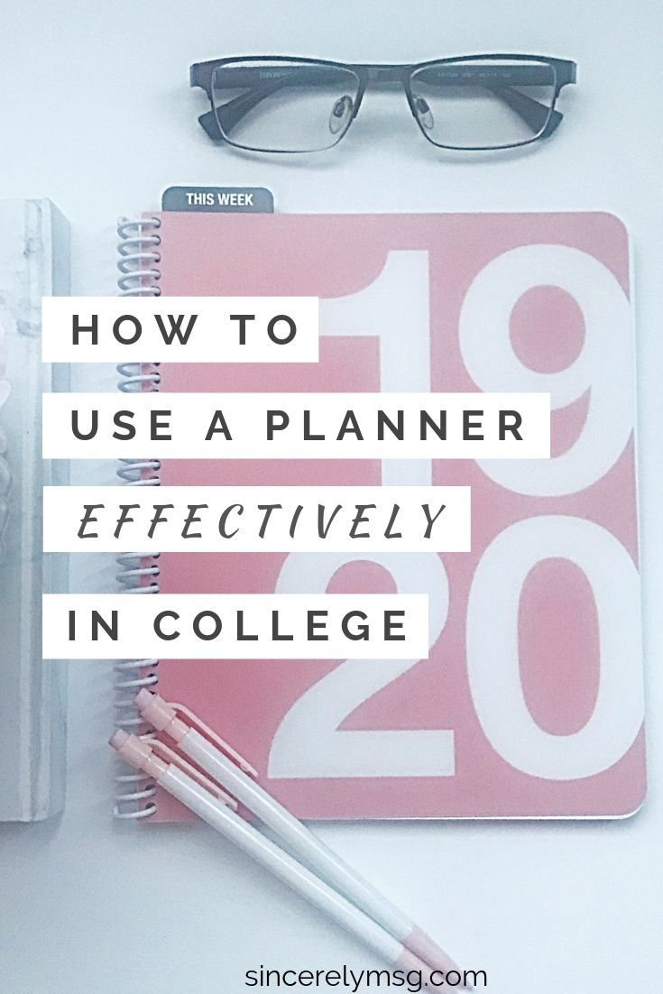 It's NO secret! As a student in college, the KEY to stay organized is to use a planner. Not only does it help you stay on track with your course work, but you know exactly what needs to get done and when to complete it. Here are a few tips on how to effectively use your planner to stay organized this school year:  #planner #college #plannerinspiration #collegeplanner #plannertips