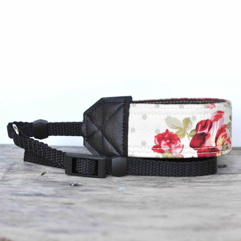 Great contest to win a rhyah papaya camera strap!