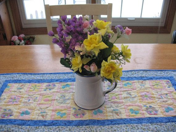 Quilted Easter Table Runner by SweetDreamsbyMoosie on Etsy, $25.00