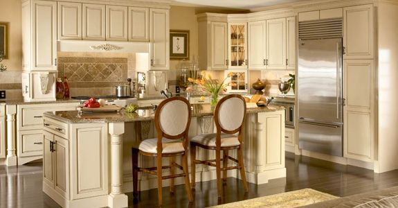 Best Kraftmaid Montclair Maple In Biscotti Lowe S Dream 400 x 300
