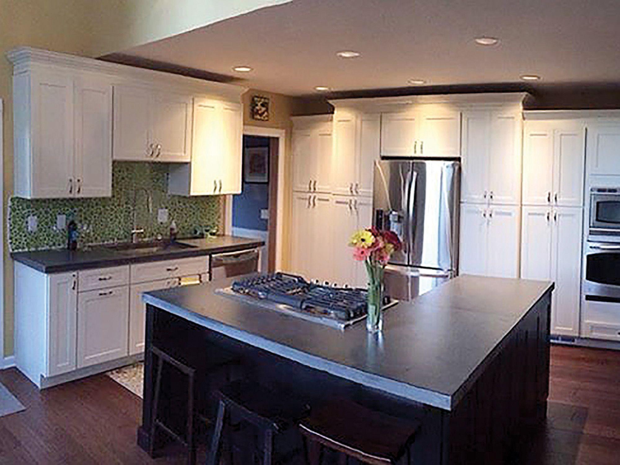 I Like The Cabinets Around The Refrigerator Bellevue Washington Kitchen Renovation Features Cliqstudios Dayton P Kitchen Remodel Home Kitchens Kitchen Design