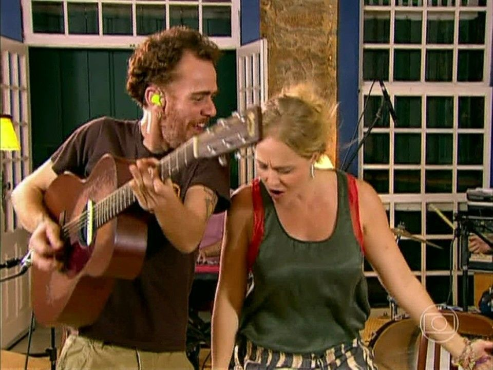 Com show especial em Paraty, Nando Reis e Os Infernais cantam sucessos http://gshow.globo.com/programas/estrelas/videos/t/programas/v/com-show-especial-em-paraty-nando-reis-e-os-infernais-cantam-sucessos/2423737/