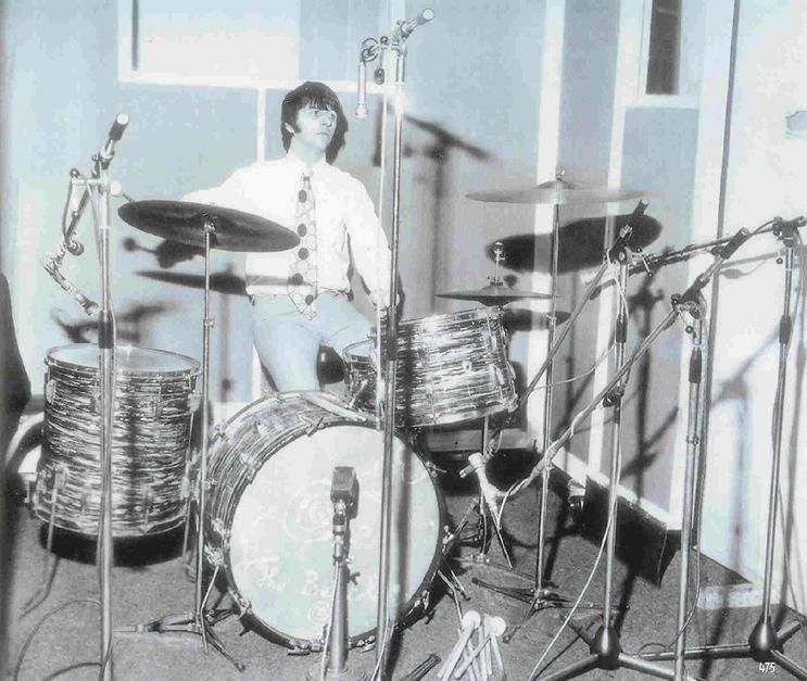Drumkit 4 First Ludwig Black Oyster Pearl Super Classic Drumkit Acquired May 31 1964 Drum Sizes 9 X 13 Tom 16 X 16 Best Drums Drums The Beatles