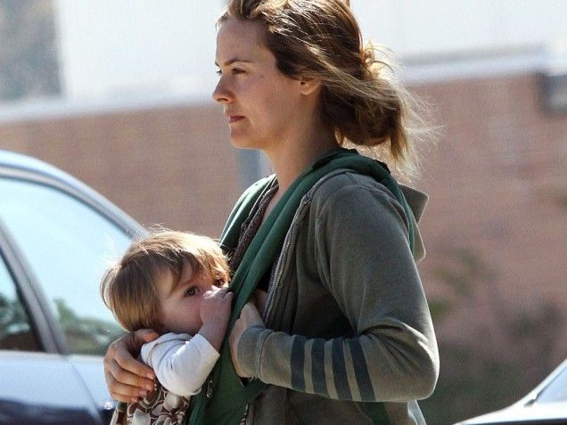 Celebrities Who Breastfeed In Public We Love Them