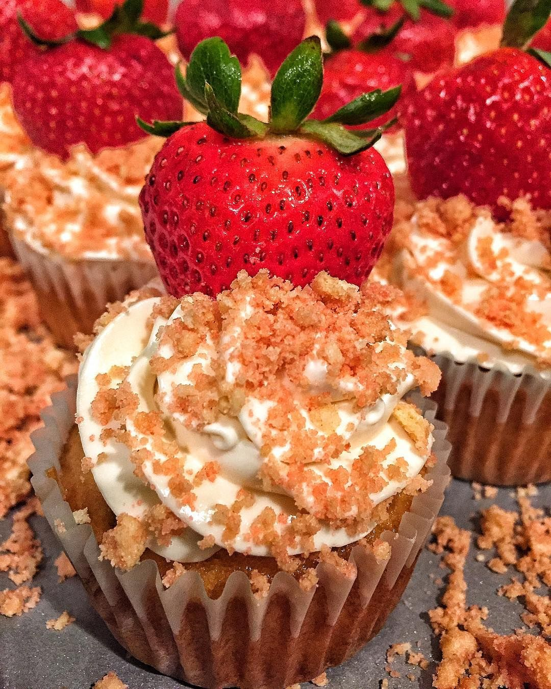strawberry cheesecake cupcakestried a new dessert this past weekend forhellip