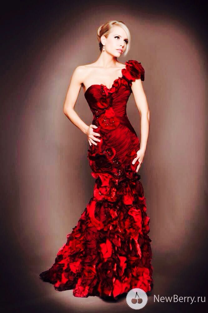 evening gown oh so red pinterest kleider mode und kleidung. Black Bedroom Furniture Sets. Home Design Ideas