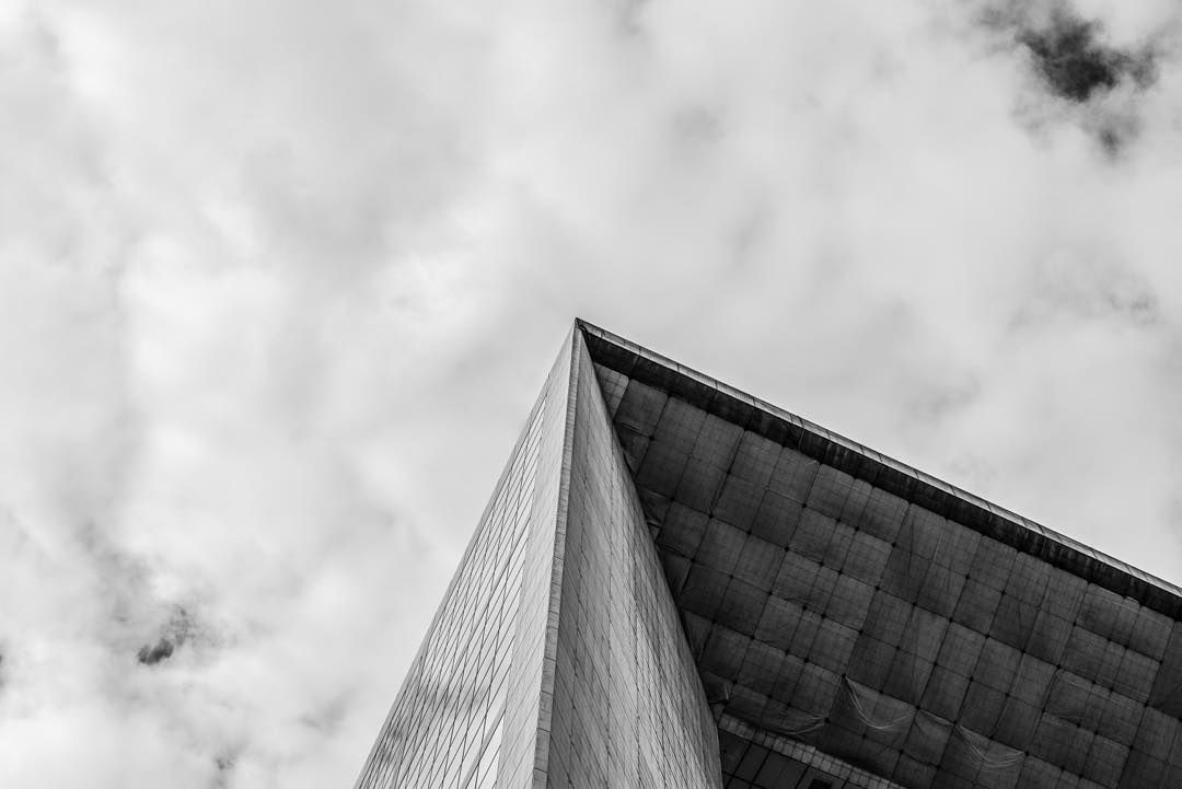 #LubakiLubaki   #AlexandreGaudin  #La Defense #Grandearche  #Architecture#brutalism#blackwhite#sky#photographer#photo#paris#Nofilter http://ift.tt/1RMJ1wI