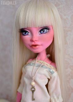 Картинки по запросу ООАК кукол Monster High oli-krolik