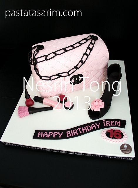 chanel bag and shoes cake