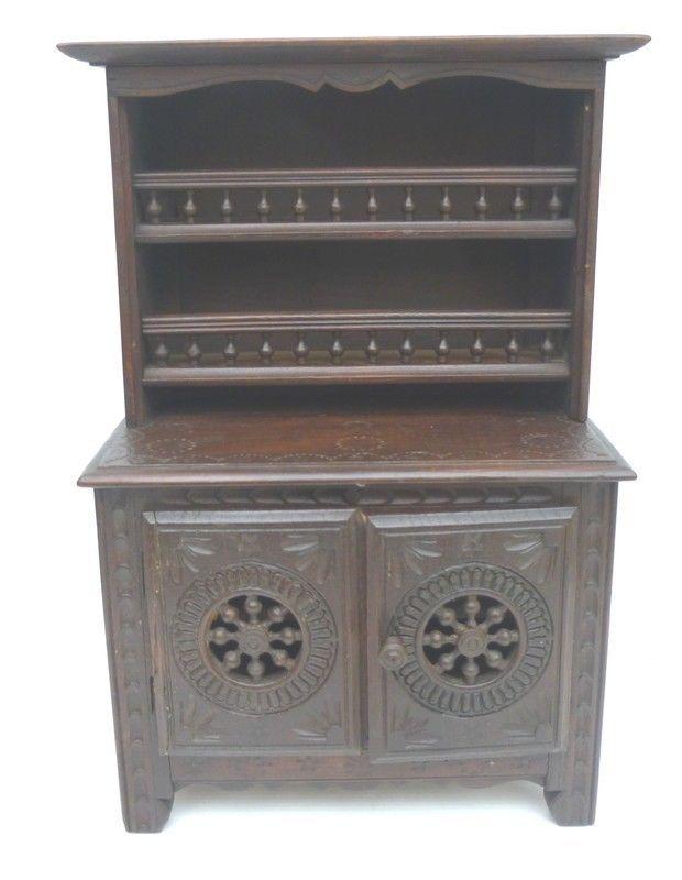 petit buffet vaisselier ancien en bois sculpt meuble breton maison de poup e ebay. Black Bedroom Furniture Sets. Home Design Ideas