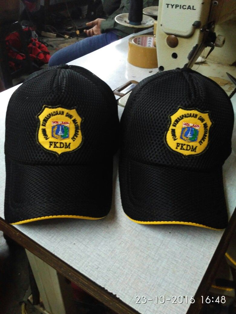 Melayani pembuatan aneka topi dengan berbagai jenis bahan dan model ... e17fb36aaf