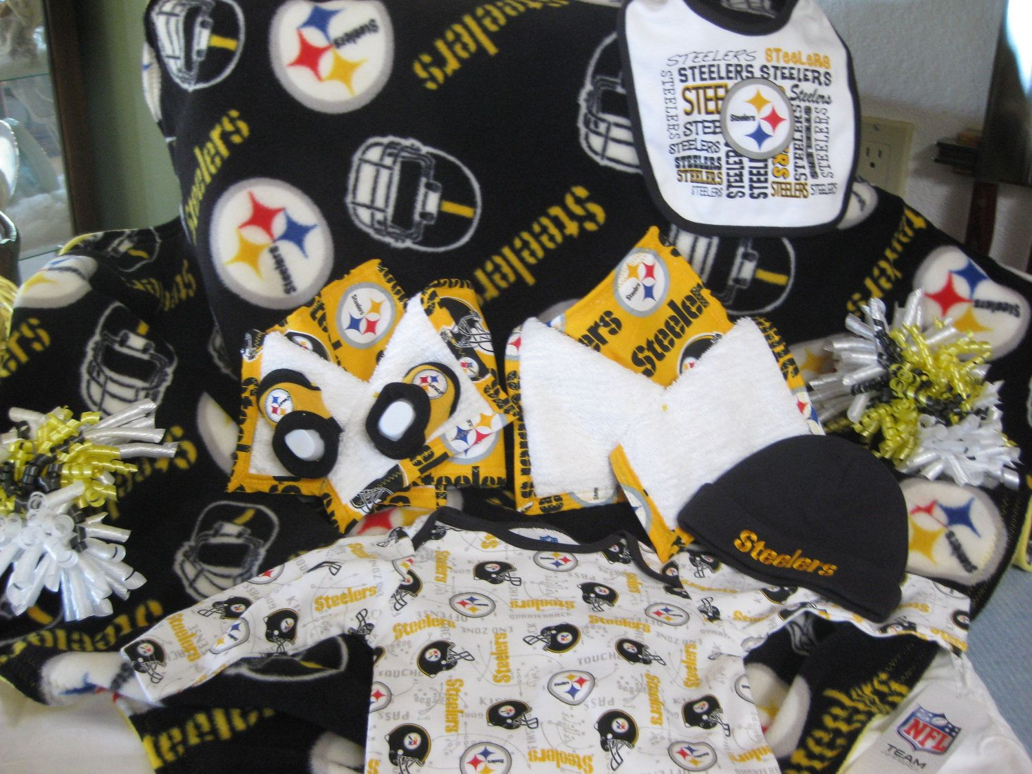 57445924b89 Pittsburgh Steelers Baby Gift Basket