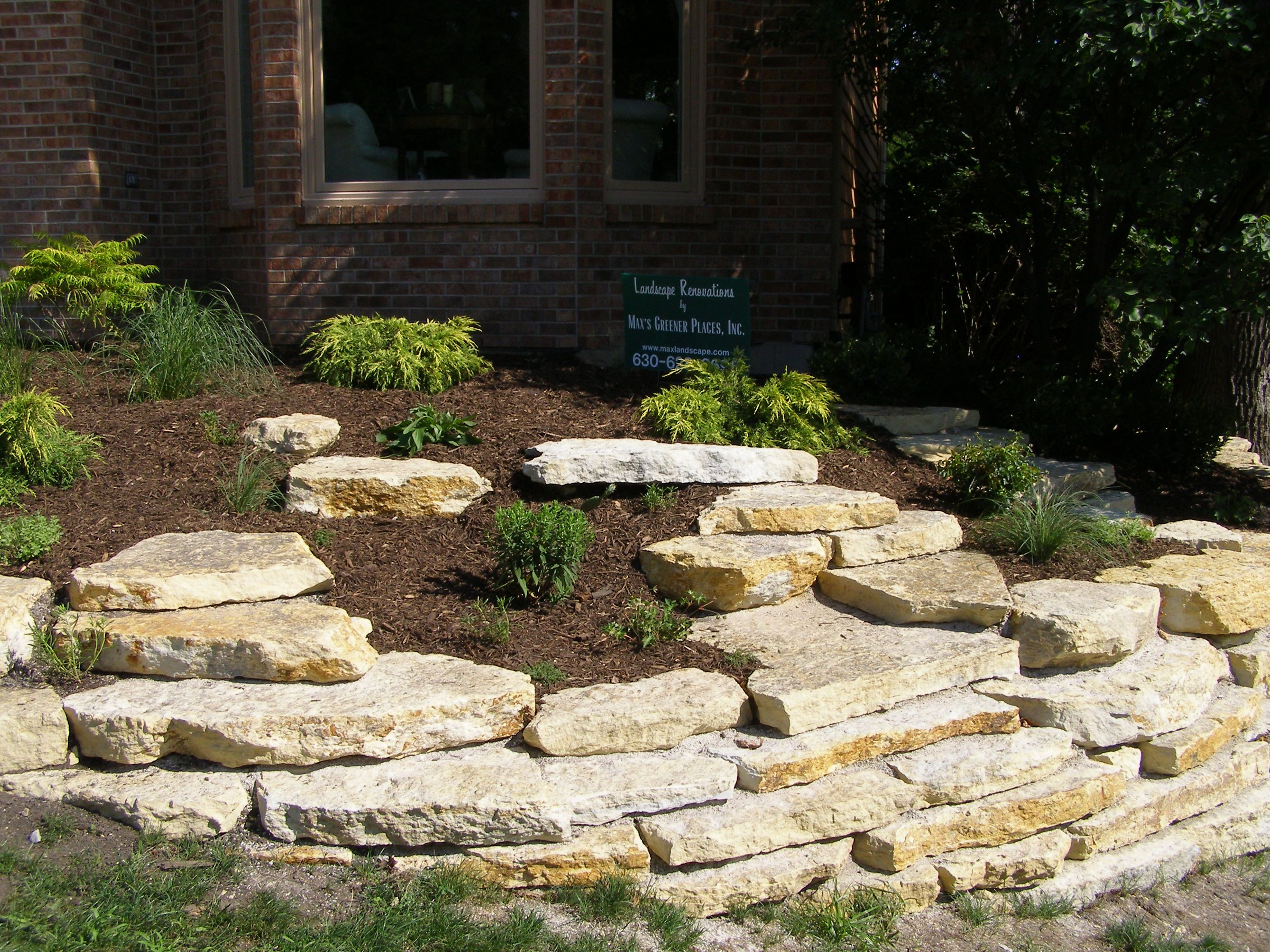 natural limestone retaining wall