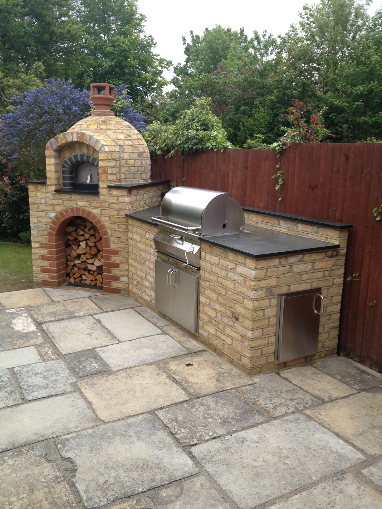 Primo 60 Wood Fired Pizza Oven By The Stone Bake Oven Company Diy Outdoor Kitchen Outdoor Cooking Area Outdoor Kitchen Design